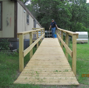 Chapter 7 Bemidji Building a Ramp for Veteran Picture